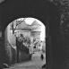 Blick aus dem Tor der Ortenburg zum Wasserturm, Ende der 20er Jahre